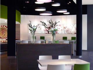 Food Court - Shopping Mall - Baden-Baden Moderne Gastronomie von Plan2Plus design - Architektur I Innenarchitektur I Design Modern