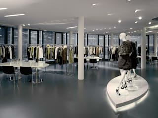 Laurél - Headquarter - München:  Geschäftsräume & Stores von Plan2Plus design - Architektur I Innenarchitektur I Design