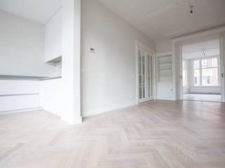 Haags herenhuis in het Statenkwartier Den Haag:  Eetkamer door FASE13 | interieurontwerp & interieuradvies