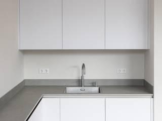Haags herenhuis in het Statenkwartier Den Haag:  Keuken door FASE13 | interieurontwerp & interieuradvies
