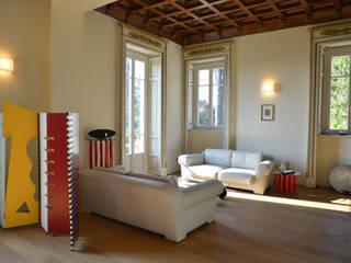 Villa d'Epoca: Soggiorno in stile in stile Classico di Tamara Gerosa