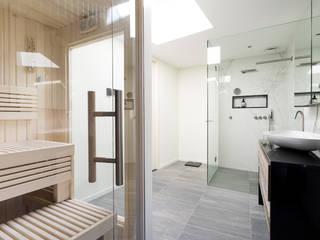 Cleopatra sauna in badkamer:  Badkamer door Cleopatra BV