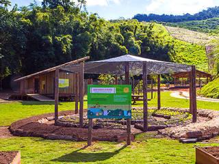 Reserva Florestal e Fazenda Bananal - Paraty - RJ Escolas tropicais por Flavia Machado Arquitetura Tropical