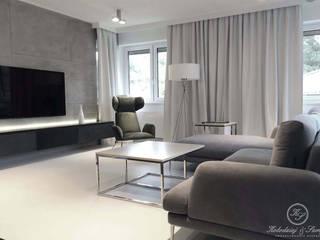 HARMONY: styl , w kategorii Salon zaprojektowany przez Kołodziej & Szmyt Projektowanie wnętrz