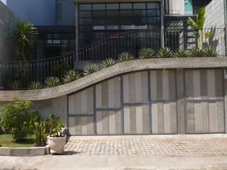 M3 House by Atelier ACID Nhà phong cách nhiệt đới bởi Atelier Acid Nhiệt đới
