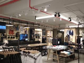 Alma Retail Services Ruang Komersial Gaya Industrial
