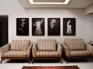 EDSON 640 Salas de estar modernas por BSK Studio Moderno