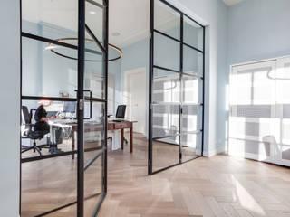 Офисы и магазины в . Автор – Dineke Dijk Architecten, Модерн