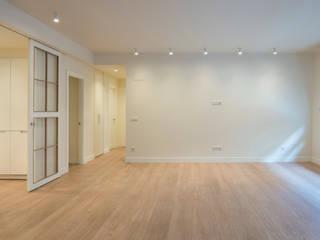 Sube Interiorismo Bilbao reforma integral de vivienda en Bilbao Salones de estilo clásico de Sube Susaeta Interiorismo Clásico
