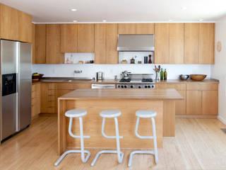Built-in kitchens by Arkia Studios