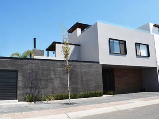 CASA CONDESA JURIQUILLA: Casas unifamiliares de estilo  por EZ HOMES