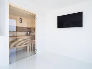 Moderne Cleopatra sauna: moderne Badkamer door Cleopatra BV