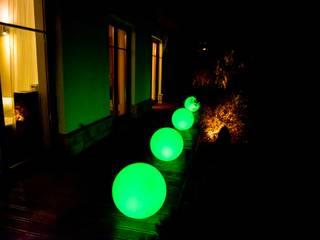 Świecące kule do ogrodu: styl , w kategorii  zaprojektowany przez 4FunDesign.com