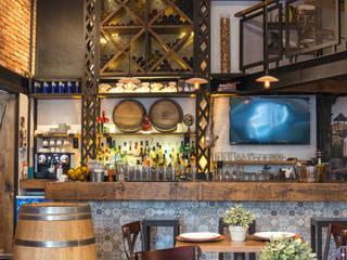 RESTAURANTE LA TASCA DEL MOTAÑES | CDMX Gastronomía de estilo moderno de SHMN ARQUITECTURA Moderno
