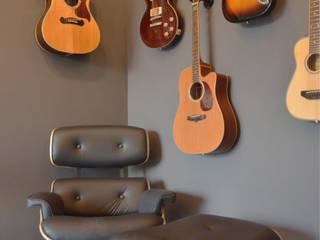 Apartamento CFAL: Salas de estar  por Panapaná • Estúdio de Projetos