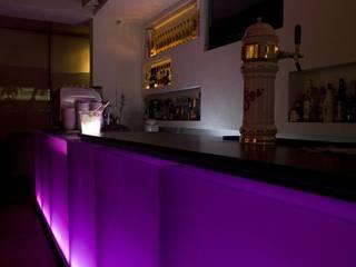 Barra iluminada con led: Comedores de estilo  por Structure Diseño & Arquitectura