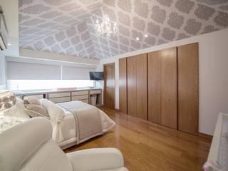 Casa Hoyo Uno:  de estilo  por ESTUDIO TANGUMA