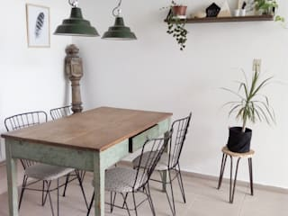 OOST / Sabrina Gillio Scandinavian style dining room