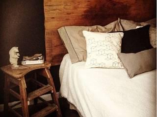 OOST / Sabrina Gillio Scandinavian style bedroom