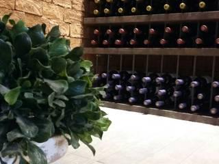 Bodegas de vino de estilo  por Deyse Porto Arquitetura, Rústico