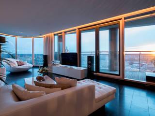 Penthouse Moderne woonkamers van B-TOO Modern