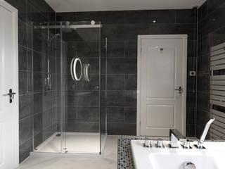 MASTER BATHROOM - AFTER:   by NO4 DESIGN STUDIO