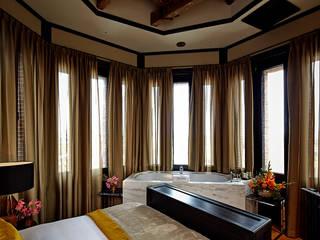 Modern Cleopatra bad in Hotel 27:  Badkamer door Cleopatra BV