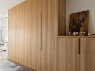 邑田空間設計 Ingresso, Corridoio & Scale in stile minimalista Piastrelle