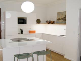 Cocinas de estilo moderno por Tangerinas e Pêssegos