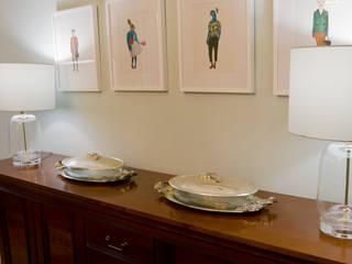 Sala de jantar: Salas de jantar clássicas por Tangerinas e Pêssegos - Design de Interiores & Decoração no Porto