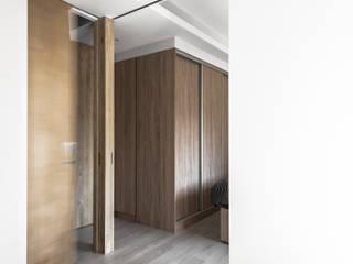 Dormitorios de estilo minimalista de 湜湜空間設計 Minimalista