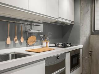 Kitchen 湜湜空間設計 Kitchen units White