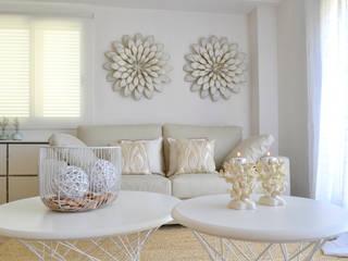 Living room by estudio de interiorismo pilar Gimeno, Mediterranean