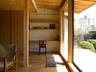 Salon scandinave par エイチ・アンド一級建築士事務所 H& Architects & Associates Scandinave