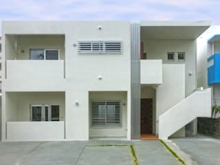 正面外観: 株式会社青空設計が手掛けた二世帯住宅です。