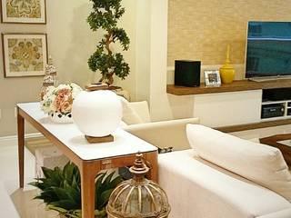 Salas / recibidores de estilo  por ALA Arquitetura e Interiores, Ecléctico