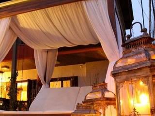 de estilo tropical por ALA Arquitetura e Interiores, Tropical