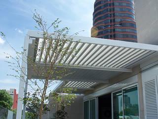 Pérgola Bioclimática Polanco CDMX: Terrazas de estilo  por D+I Diseño mas interiorismo