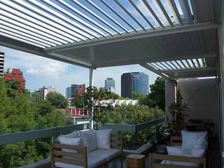 Pérgola Bioclimática Polanco CDMX Balcones y terrazas modernos de D+I Diseño mas interiorismo Moderno
