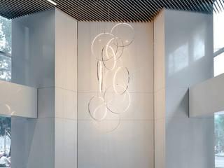 Reforma 180:  de estilo  por BIROT A Lighting Store