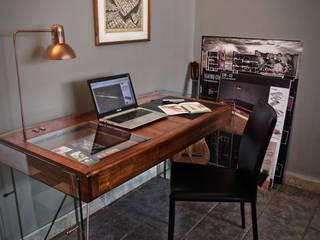 Escritorio DW:  de estilo industrial por Fernando Borda Arquitectura de Interiores, Industrial