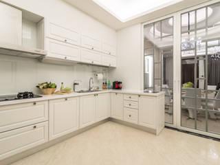 騰龘空間設計有限公司 Built-in kitchens
