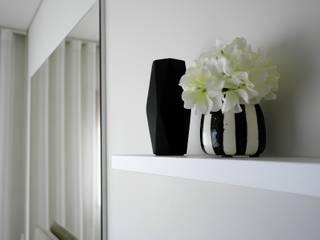 Recámaras de estilo moderno por Ci interior decor