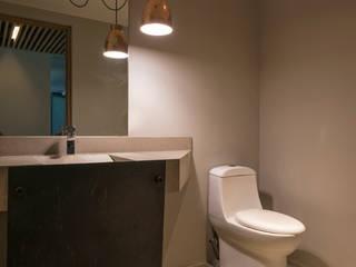 Baños de estilo moderno por HDA: ARQUITECTURA BIOCLIMATICA