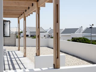 Project: Volstruis Ave, Yzerfontein:  Patios by de Beyer Design Studio