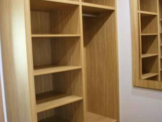 Almacén de Carpintería Gómez Dressing roomWardrobes & drawers