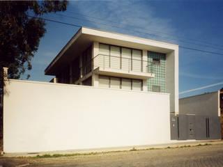 by José Melo Ferreira, Arquitecto Modern