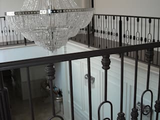 CKW Lifestyle Associates PTY Ltd Eclectic style corridor, hallway & stairs Iron/Steel Black