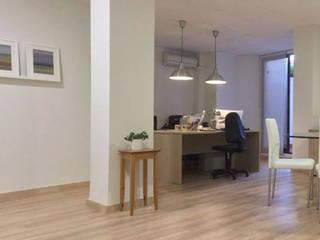 Zona de trabajo: Estudios y despachos de estilo  de Atelier SIBA