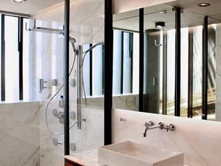 Casa : Baños de estilo  por Structure Diseño & Arquitectura